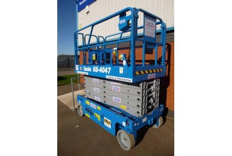 Scissor Lift - Genie 4047 11.89m (39ft) Platform