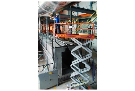 Scissorlift - Narrow Genie 2632 7.9m (26ft) Platform